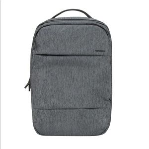 "Incase City Backpack / LG 17"" Laptop"